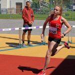 Michelle in der ersten Schlussrunde beim Staffellauf