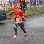 Janina Gebs Siegerin im 1000 m Lauf weit voraus