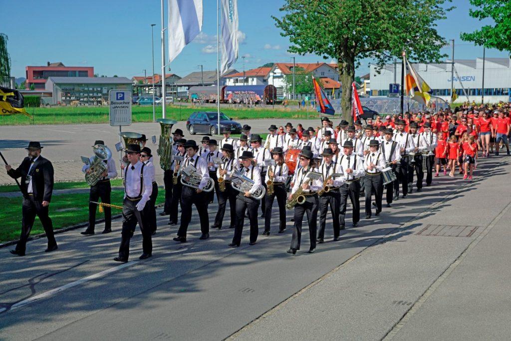 Vorab dem Festumzug der Musikverein Oberriet