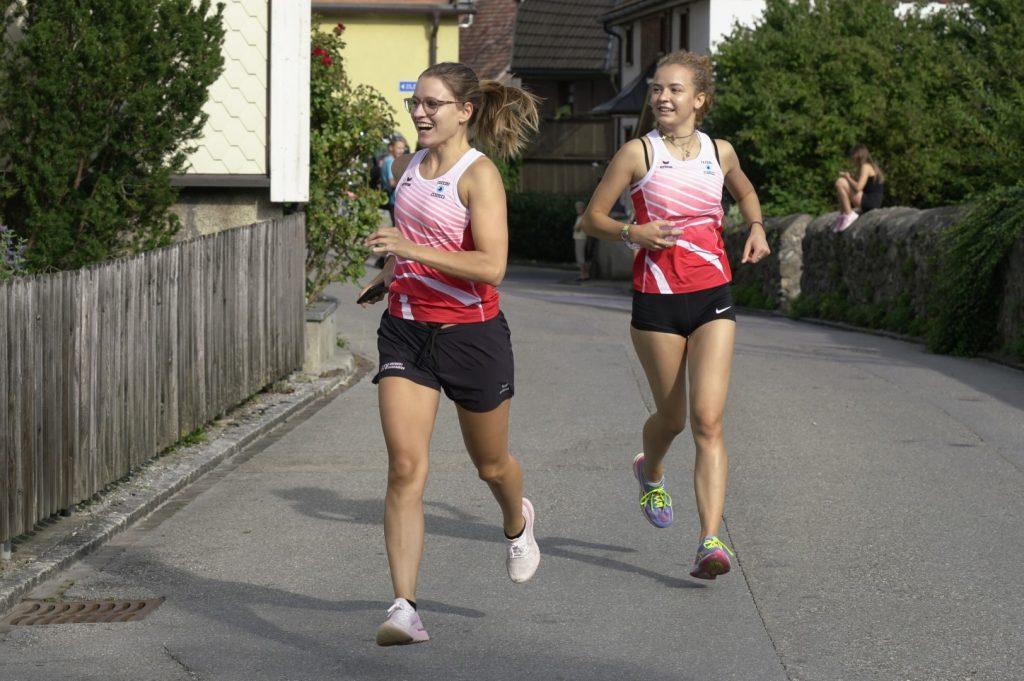 Auch hier macht Einlaufen Spass Alina und Alessia