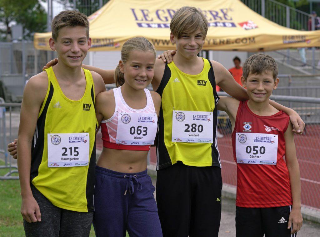 Jana und Joa mit den ebenfalls Qualifizierten Kollegen vom KTV Oberriet Andrin und Timothy