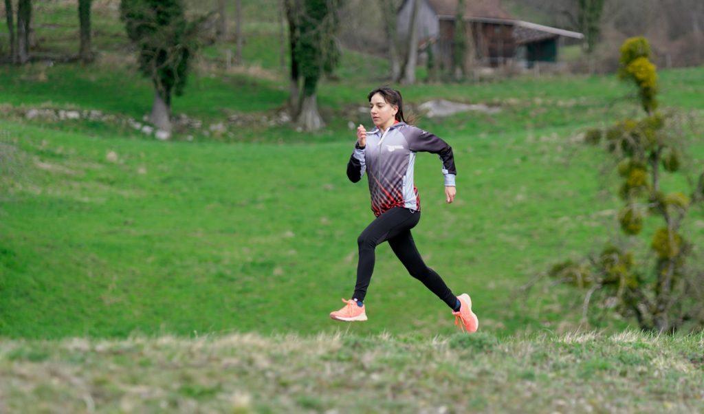Samira beim Einlaufen