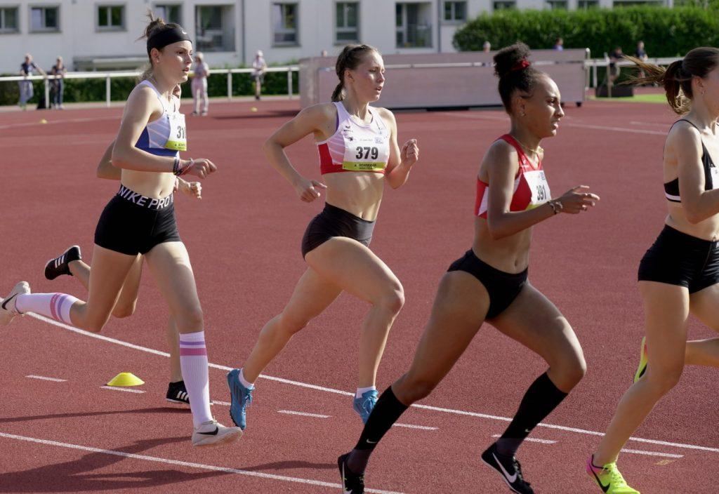 Sandra in ihrem 800 m Rennen