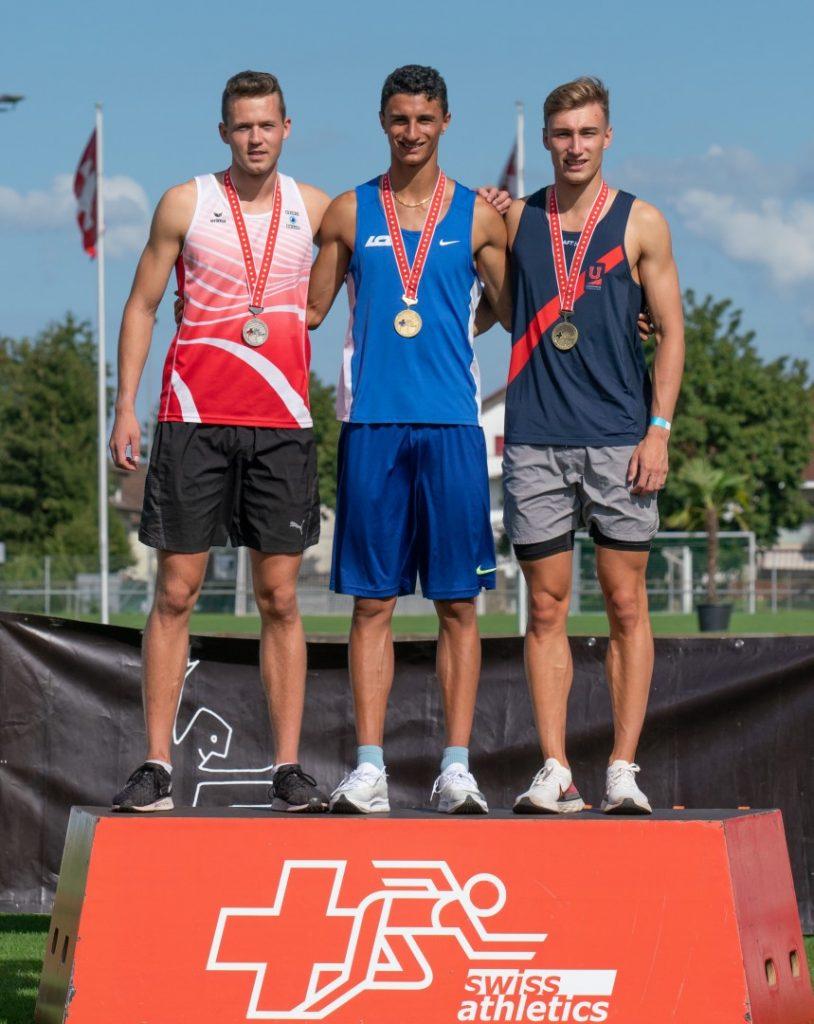 Siegerehrung 200 m Daniel als Zweiter